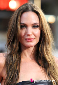 Acconciature delle star - Angelina Jolie