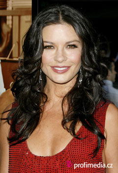 Účesy celebrit - Catherine Zeta-Jones