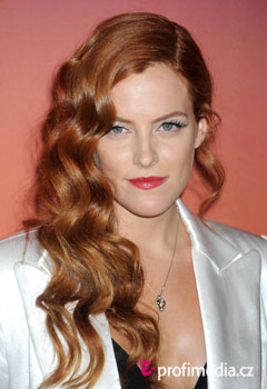 Promi-Frisuren - Riley Keough