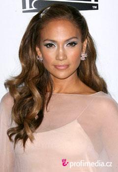 Jennifer Lopez - sztárfrizurák a HappyHair-ben