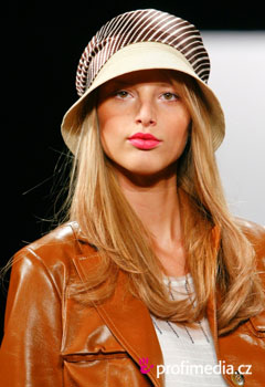 Peinados de famosas - Fashion shows Spring Summer 2012