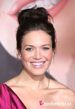 Coafurile vedetelor - Mandy Moore
