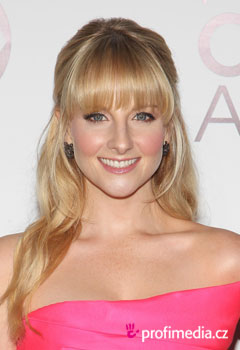 Coafurile vedetelor - Melissa Rauch