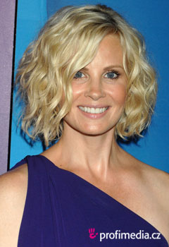 Acconciature delle star - Monica Potter