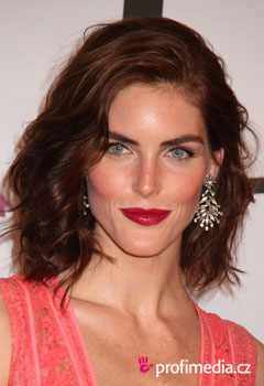 Acconciature delle star - Hilary Rhoda