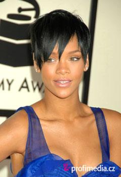 Fryzura gwiazdy - Rihanna - Rihanna