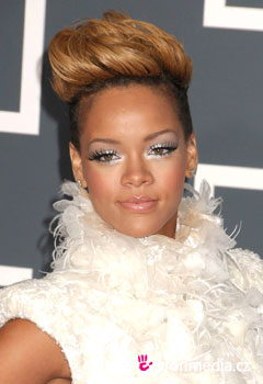 Coiffure de star - Rihanna - Rihanna