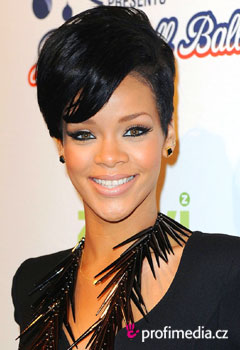rihanna frisuren promi frisuren. Black Bedroom Furniture Sets. Home Design Ideas