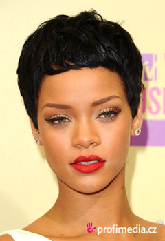 účes celebrity - Rihanna - Rihanna