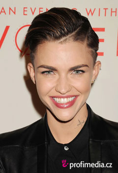 Acconciature delle star - Ruby Rose