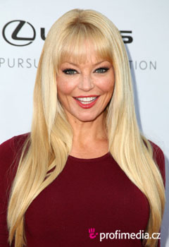 Acconciature delle star - Charlotte Ross