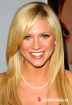 Coafurile vedetelor - Brittany Snow
