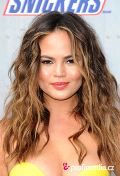 Acconciature delle star - Chrissy Teigen