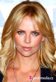 Acconciature delle star - Charlize Theron