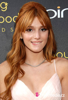 Acconciature delle star - Bella Thorne