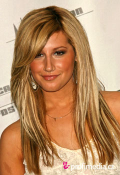 Peinados de famosas - Ashley Tisdale