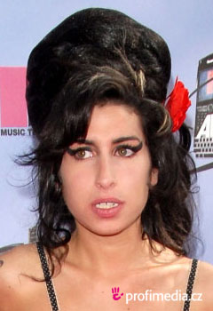 Peinados de famosas - Amy Winehouse
