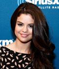 Fryzury gwiazd - Selena Gomez