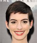Fryzury gwiazd - Anne Hathaway