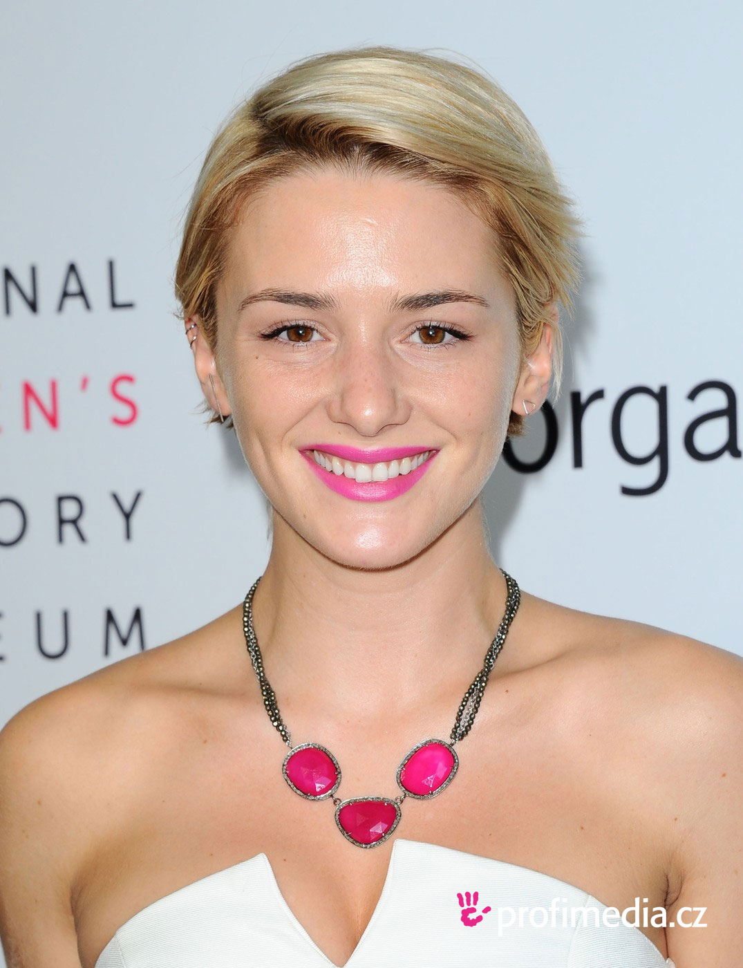 12 Celebrity Short Hairstyles That Will Look Great On You