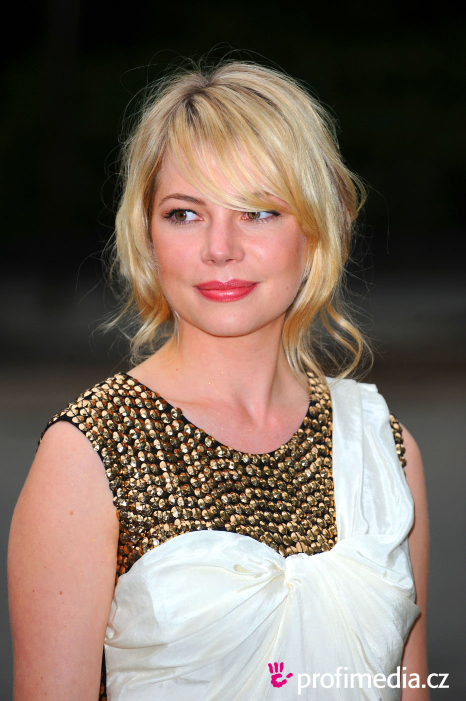 Rate the Michelle Williams's hairstyle