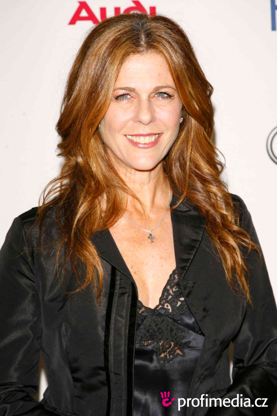 rita wilson tom hanks wife