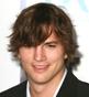 Fryzura [1253] - Ashton Kutcher, włosy krótkie falowane