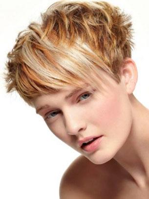 střihy pro polodlouhé vlnité vlasy - kabelka