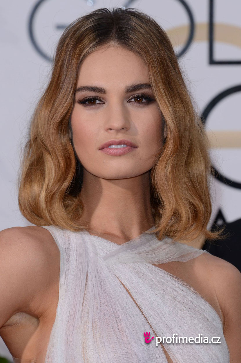 Lily james coiffure happyhair for Miroir virtuel coiffure