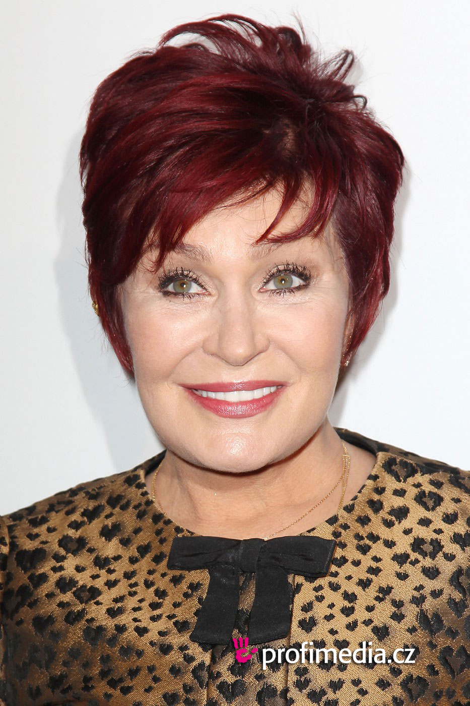 Sharon osbourne coiffure happyhair for Miroir virtuel coiffure