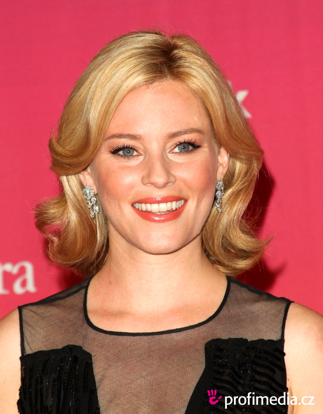 Elizabeth banks coiffure happyhair for Miroir virtuel coiffure