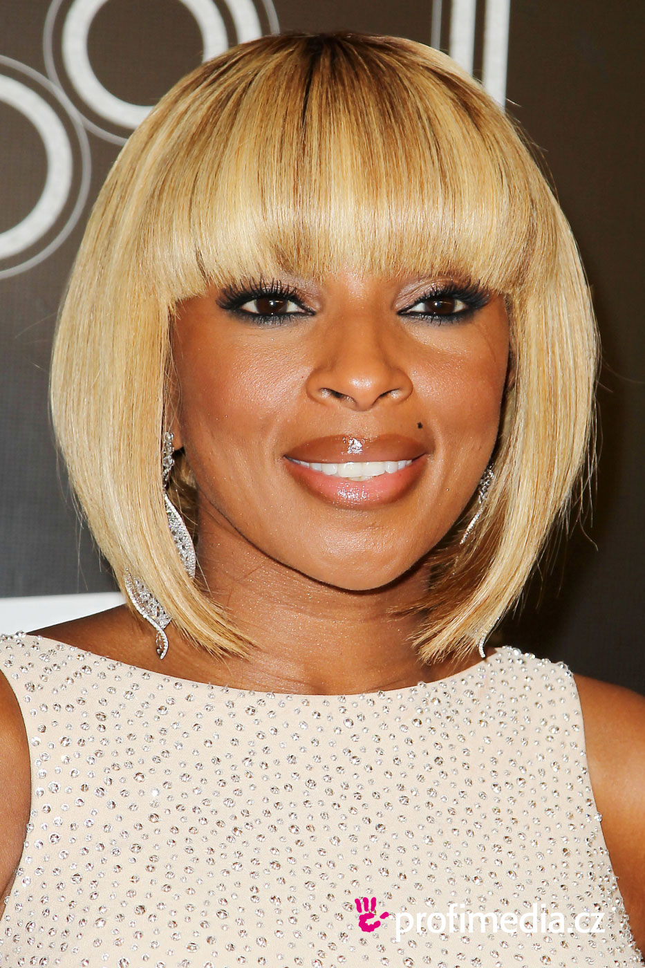 Mary J. Blige - - hairstyle - easyHairStyler