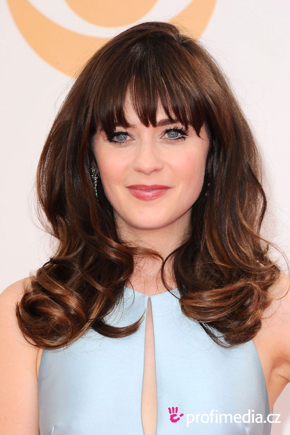 Zooey deschanel coiffure happyhair for Miroir virtuel coiffure