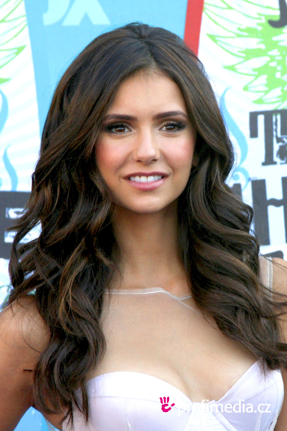 Nina Dobrev Hairstyle Easyhairstyler