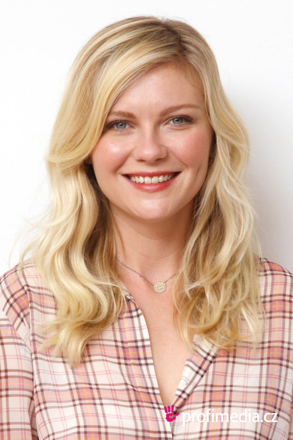 Kirsten Dunst  peinado de - Hairstyles For Chubby Faces