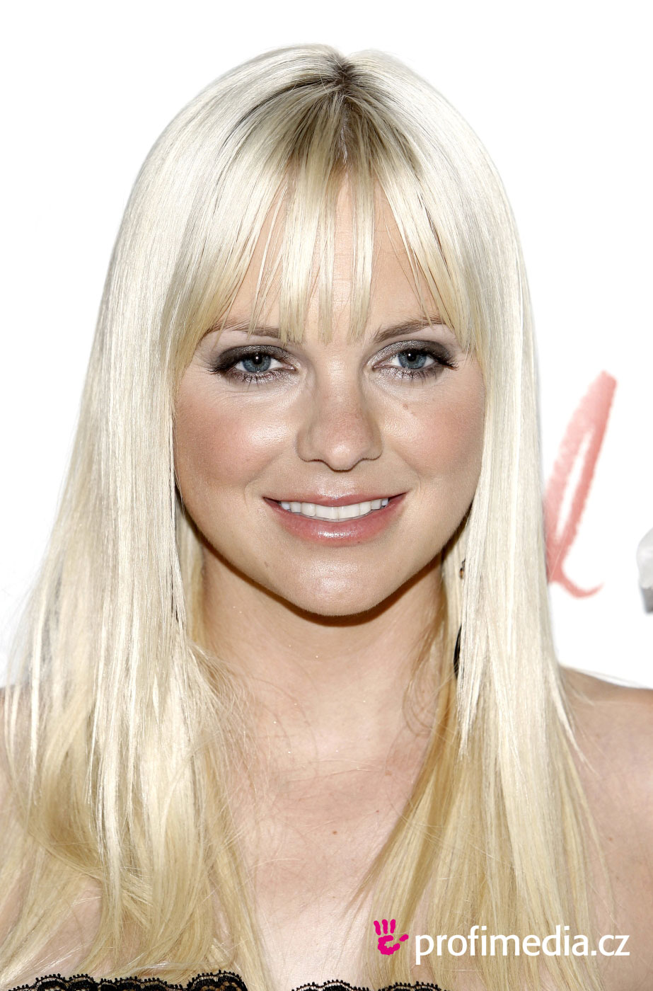 Anna Faris Hairstyle Easyhairstyler