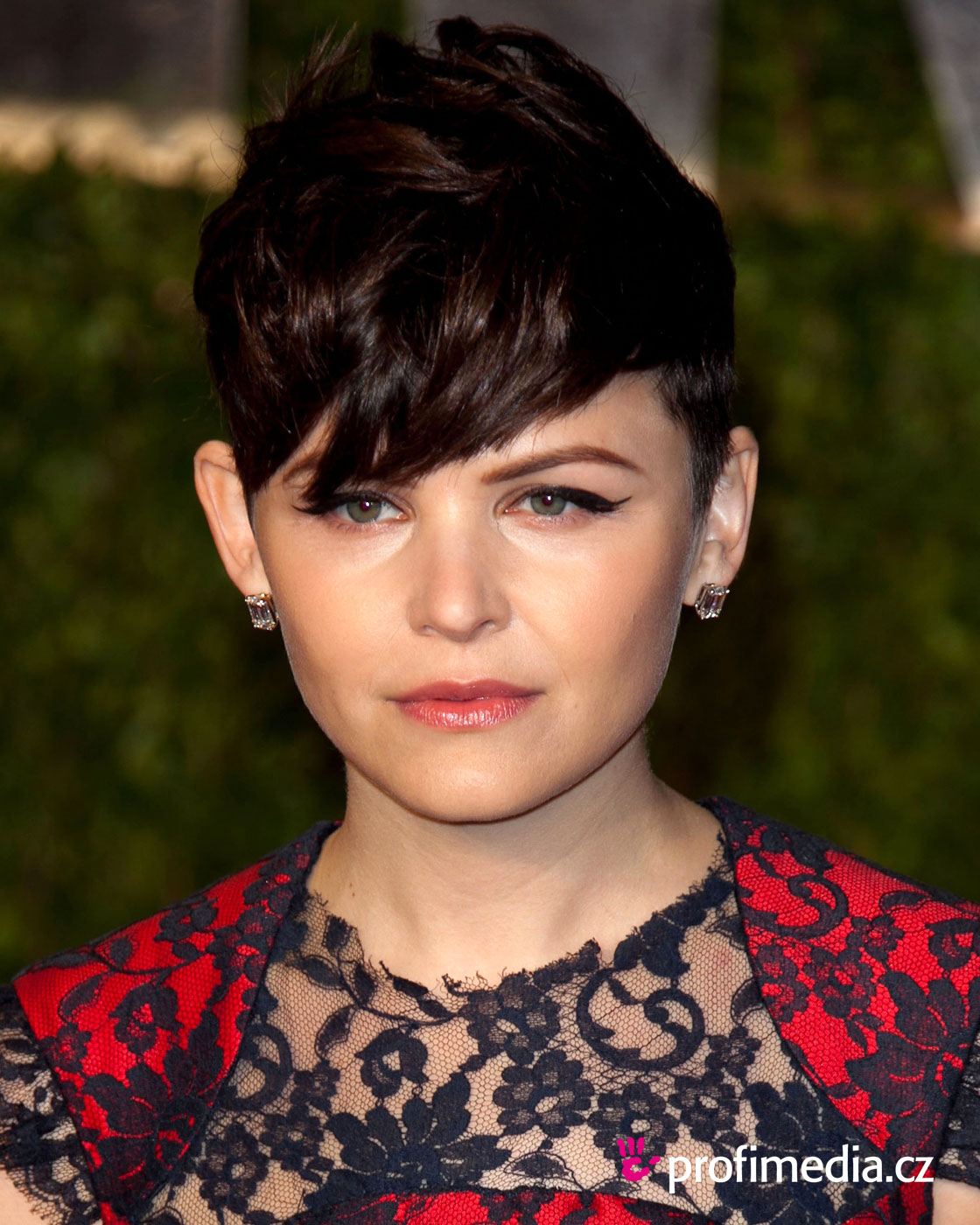 Ginnifer goodwin coiffure happyhair for Miroir virtuel coiffure
