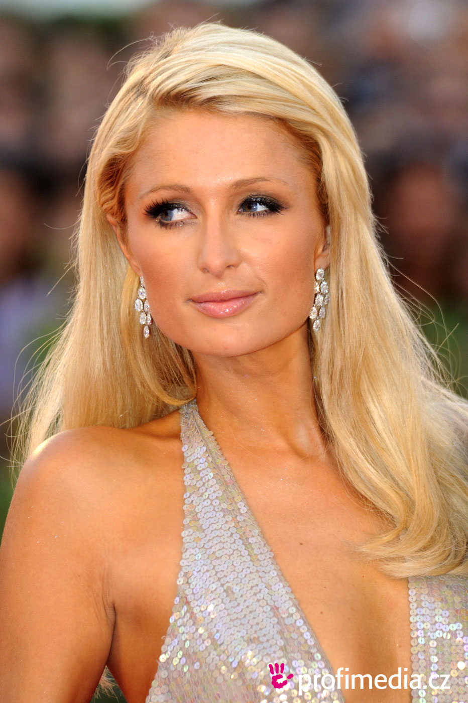 Paris Hilton Hairstyle Easyhairstyler