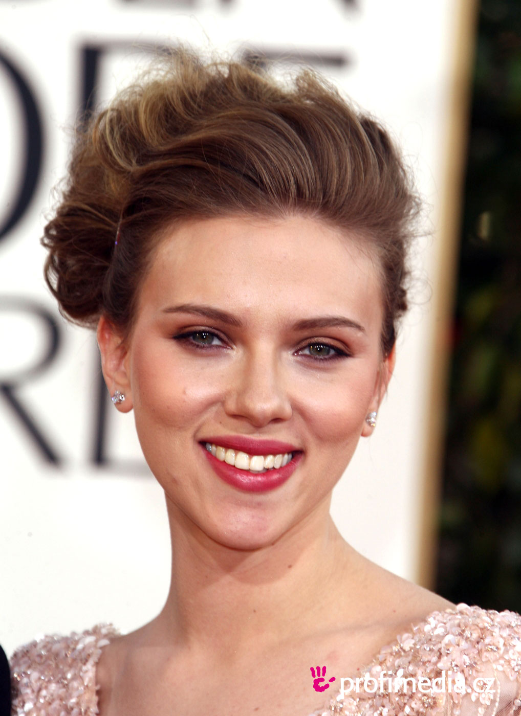 scarlett johansson frisur zum ausprobieren in efrisuren. Black Bedroom Furniture Sets. Home Design Ideas
