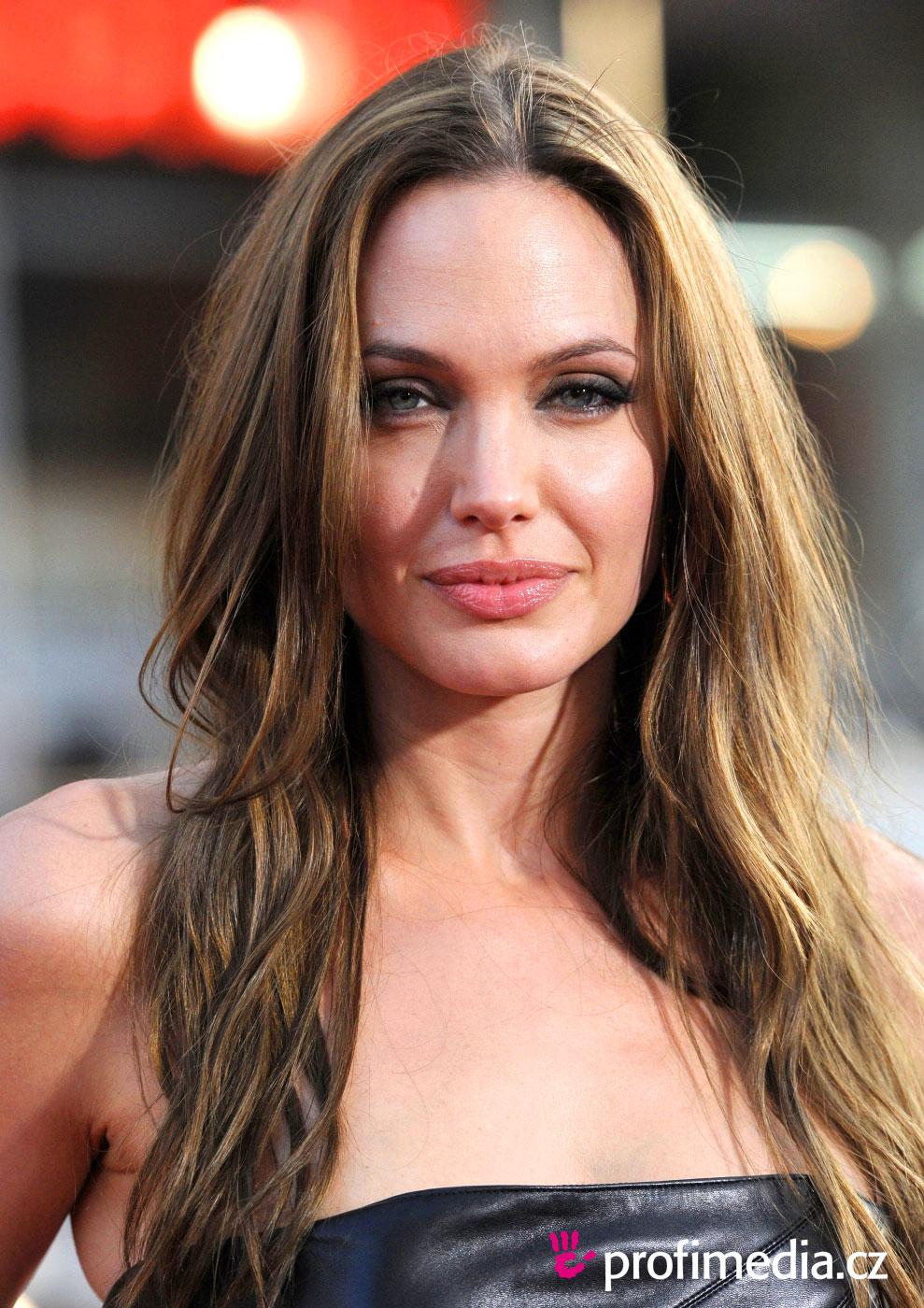 Angelina Jolie Peinado De