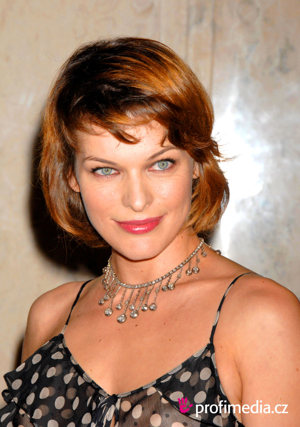 Milla Jovovich Hairstyle Easyhairstyler