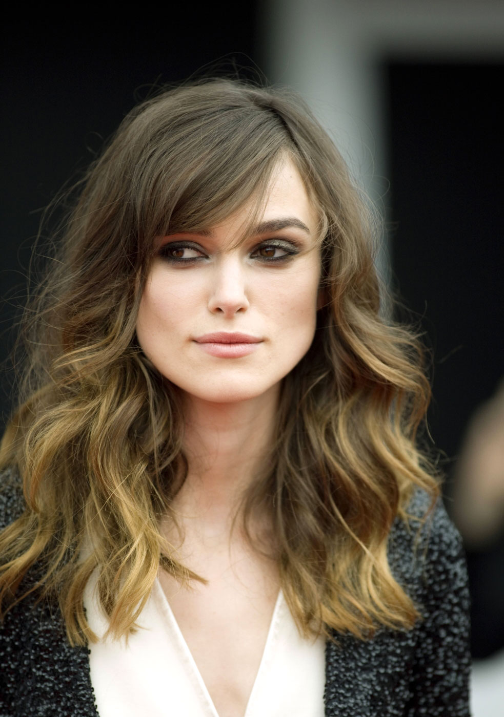 Keira knightley coiffure happyhair for Miroir virtuel coiffure