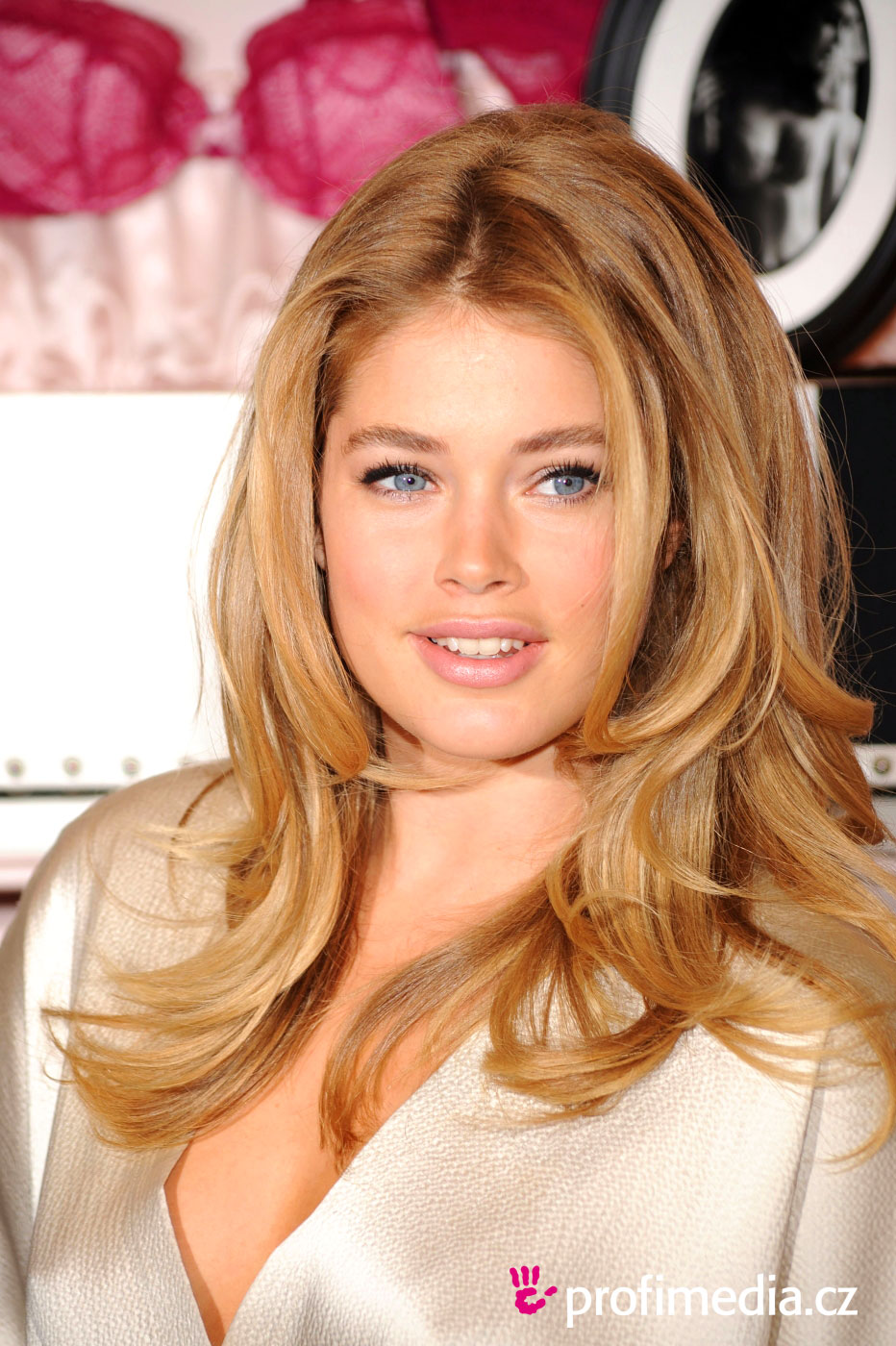Doutzen Kroes   hairstyle  easyHairStyler - Easy Hairstyles For Straight Hair