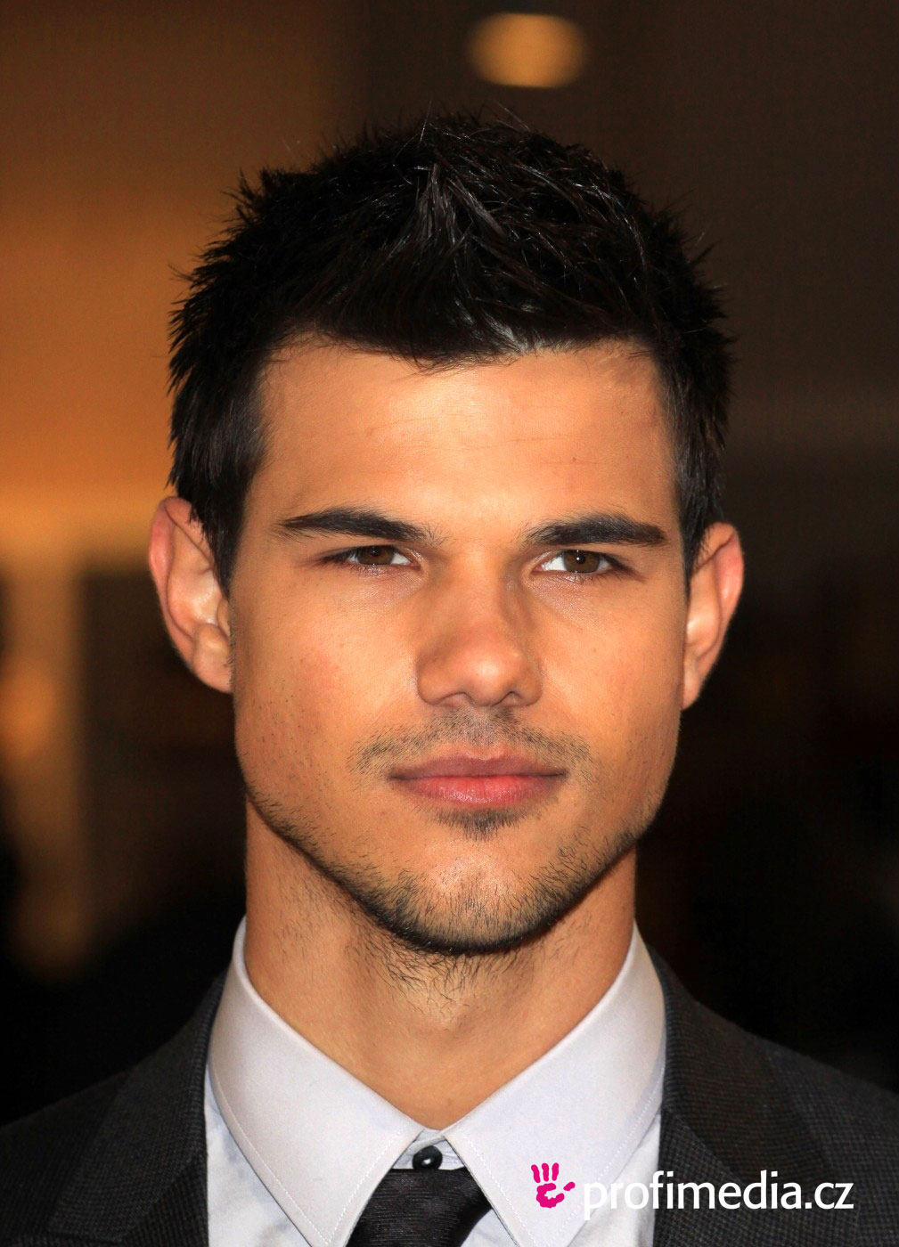 Taylor lautner hairstyle easyhairstyler you can try this taylor lautners hairstyle with your own photo upload at easyhairstyler urmus Image collections