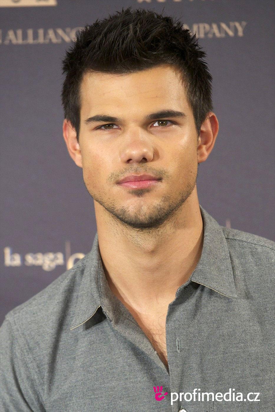 Taylor Lautner Frisur Zum Ausprobieren In Efrisuren