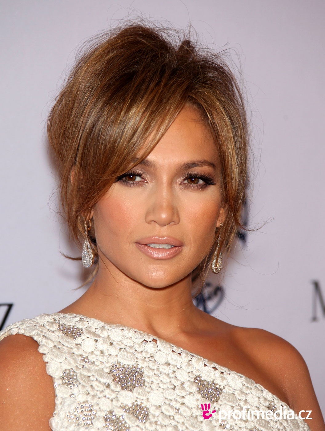 25 exciting jennifer lopez hairstyles | creativefan
