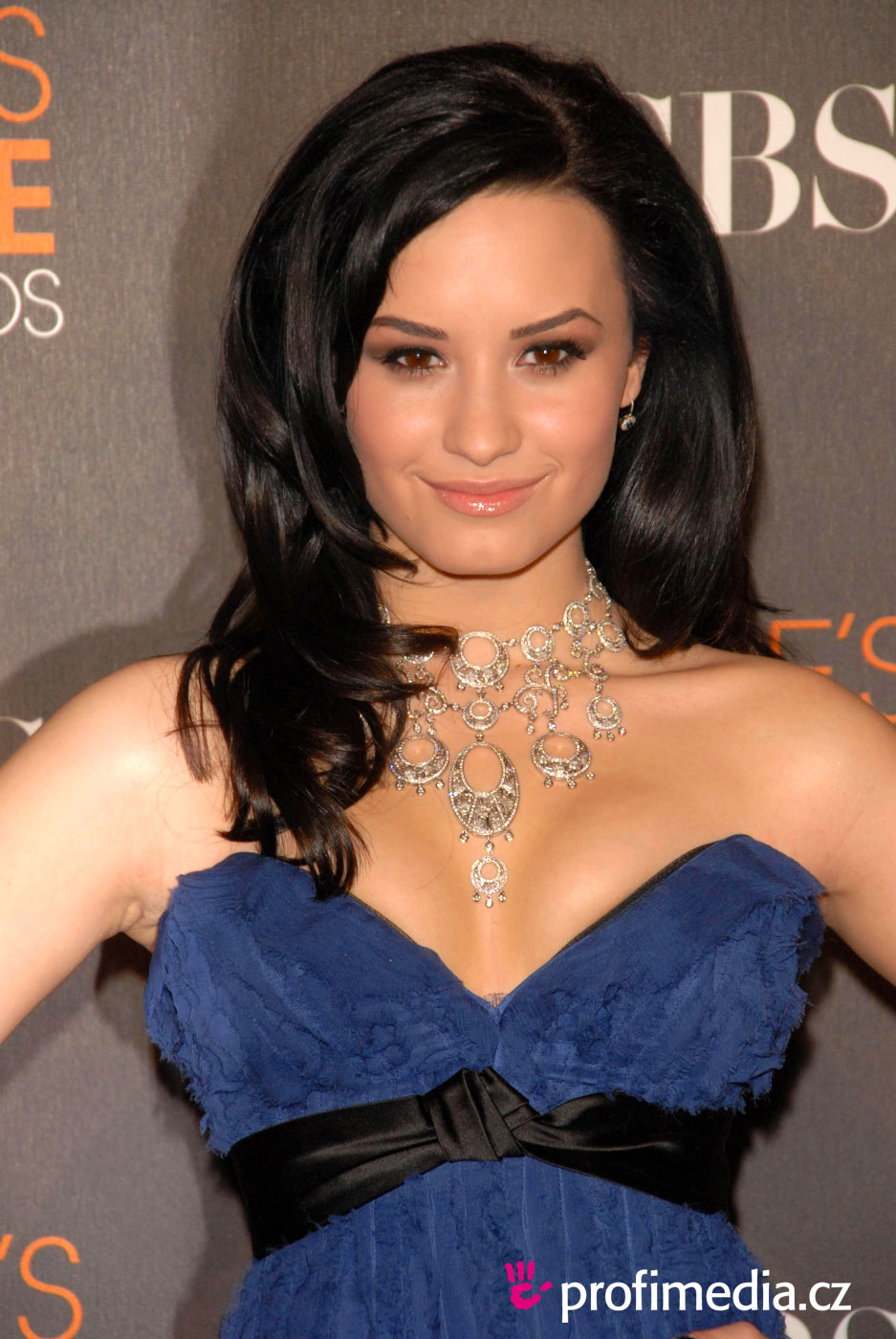 demi lovato hair style demi lovato hairstyle easyhairstyler 7039