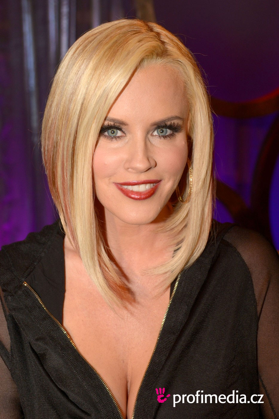 Jenny Mccarthy Hairstyle Easyhairstyler
