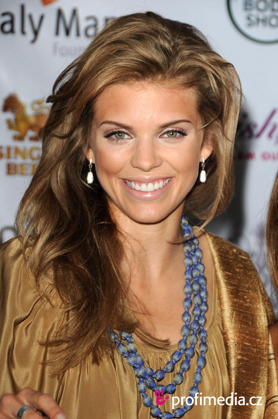 Annalynne Mccord Hairstyle Easyhairstyler