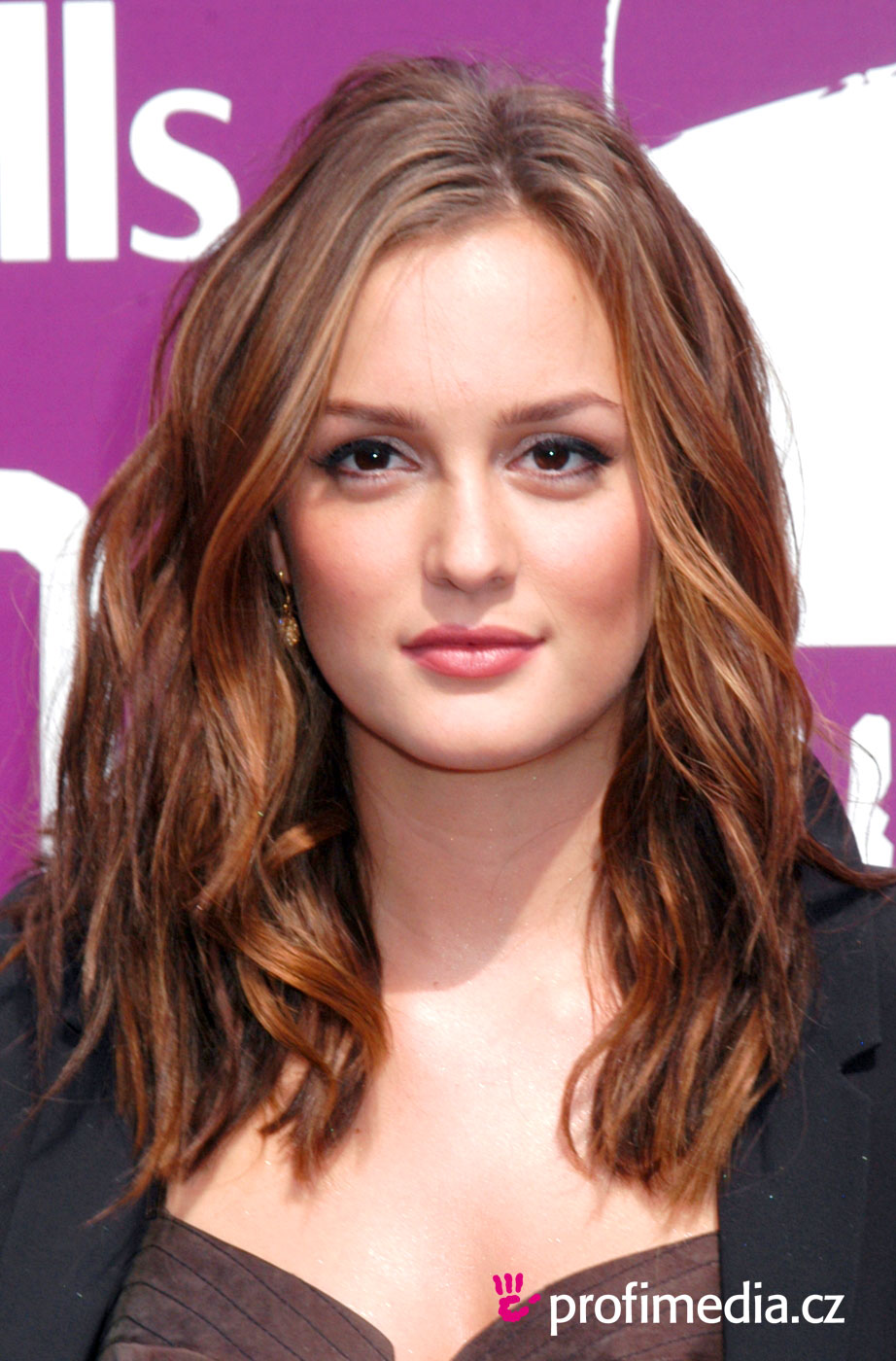 Leighton meester coiffure happyhair for Miroir virtuel coiffure